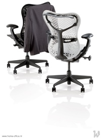 24 HermanMiller Mirra